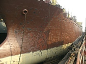船舶進塢紀錄@廣州:早上上完底漆 下午接著上面漆