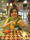 97.08.26 台北東區半日遊:搞笑一下~雖然逛的很累!