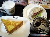 98.10.22 新光信義百貨週年慶:我們的早餐~