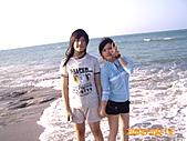 20319503/0922)) _ 海邊,八里:姊姊真的很大隻