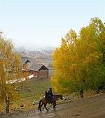 北疆遊--中國新疆〈天山以北〉:禾木村一偶2.JPG