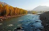 北疆遊--中國新疆〈天山以北〉:禾木村旁溪流2.jpg