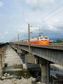 鐵道車輛:551次莒光號 大安溪鐵路橋