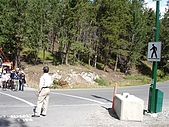 2006加拿大洛磯山脈:201 - 班夫國家公園-行人穿越道 (1)