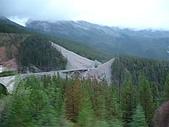 2006加拿大洛磯山脈:162 - 車內外拍 (4)