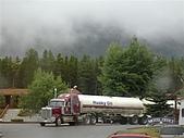 2006加拿大洛磯山脈:124 - 往冰原的路上-油罐車 (4)