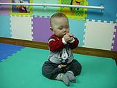 2009喬丹學校生活:廷-01.22-我會握拳頭來恭禧.jpg