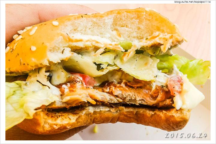150624 麥當勞-義式青醬雞腿堡(11).jpg - 2015Q2 美食記錄