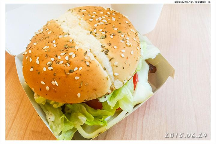 150624 麥當勞-義式青醬雞腿堡(05).jpg - 2015Q2 美食記錄
