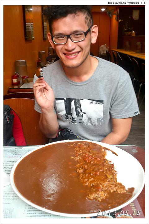 [挑戰實錄] 2.6kg 巨無霸咖哩飯!來自台中利家日式咖哩專賣店的挑戰!