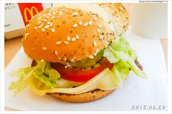 150624 麥當勞-義式青醬雞腿堡(08).jpg - 2015Q2 美食記錄