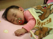 亭又寶貝1歲1個月:1294987100.jpg