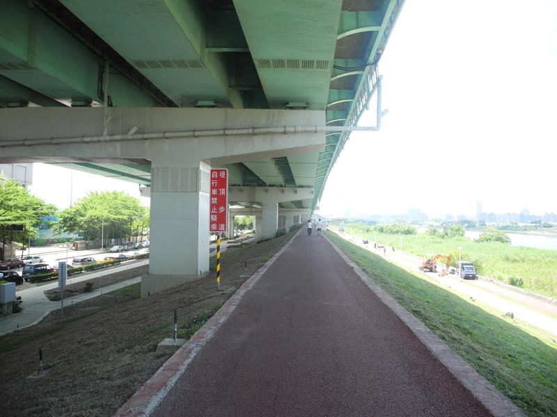 鐵馬行:鐵馬行-台北市基隆河右岸-洲美大橋(18).jpg