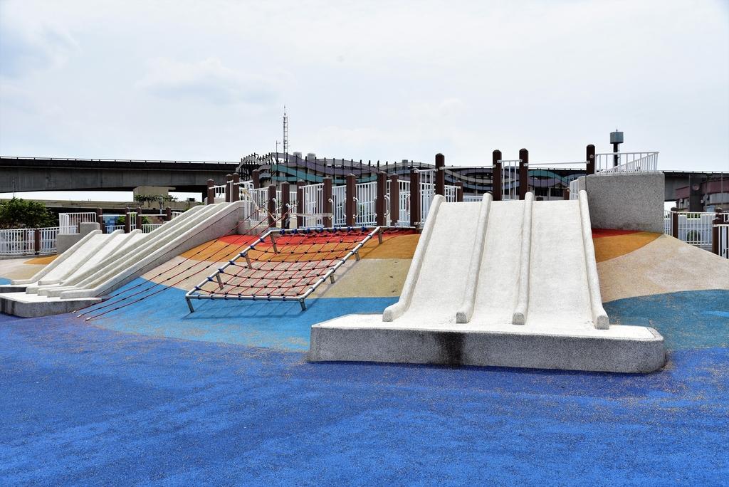 DSC_3325.JPG - 大佳河濱公園海洋遊戲場
