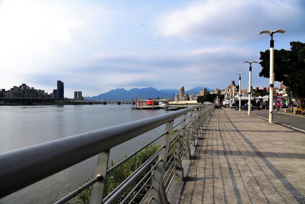 淡水河,新店溪右岸自行車道:DSC_3763.JPG