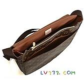 LV2010年新款包包:LV M97039 經典字紋多功能斜背書包(大) (9).jpg