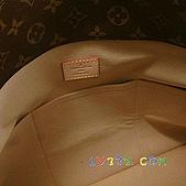 LV2010年新款包包:LV 2010春夏 M40249 Monogram Artsy 優雅肩背包(中) (8).jpg
