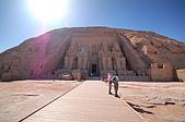 2006埃及之旅第四天:049阿布辛貝大神廟全景.jpg