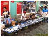 卡邦市場:3魚販 (複製).JPG