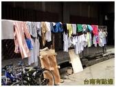 卡邦市場:8街道晒衣服 (複製).JPG