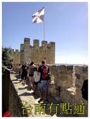 聖若熟城堡:6城牆走道和國旗 (複製).JPG