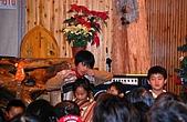 司馬庫斯冬之美:教堂中部落小女孩吹奏傳統樂器竹琴--19