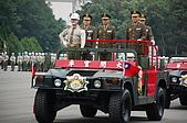 憲兵閱兵分列:請問哪一位是憲兵司令082.jpg
