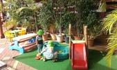 西澳。Port Denison:3 餐廳內簡單的遊樂設施=孩子們的天堂.jpg