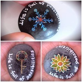 彩繪石頭 Rock Paintings:3-1. 鑰匙代表了可能性,雪花象徵多樣性,蓮花則是與七輪有關.jpg