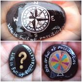 彩繪石頭 Rock Paintings:1-2. 問號、指南針和轉輪—尋找生命方向.jpg