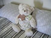 澳洲生活大小事:5 我真的很喜歡我的Charlie Bear,到哪裡都要帶著他.jpg