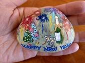 彩繪石頭 Rock Paintings:Day 31-New Year's  Eve.jpg