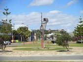西澳。Geraldton:5風向儀是人頭的形狀.jpg
