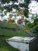 Malaysia, Melaka:12美麗的墓園,好寧靜.jpg