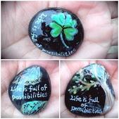 彩繪石頭 Rock Paintings:1-3. 葉子拓印、四葉幸運草和樹—大自然.jpg