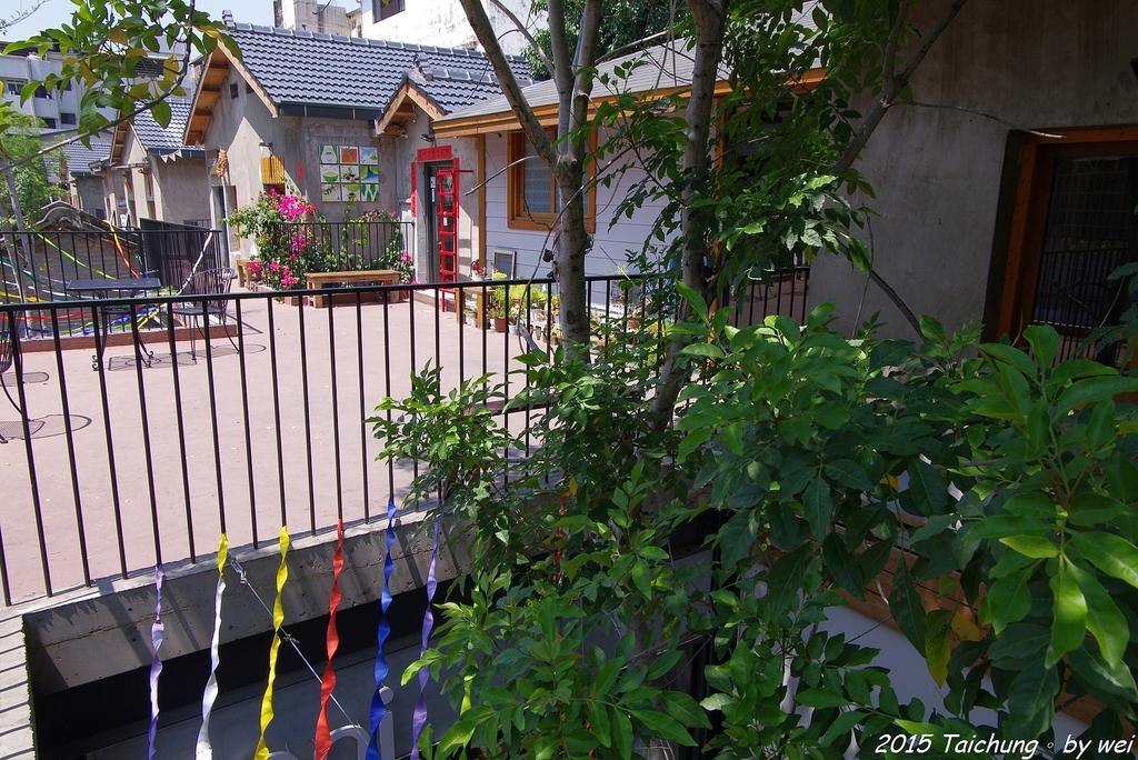 台中。漫步范特喜中興一巷 - 綠光計劃打造老房新生命:IMGP8295.JPG