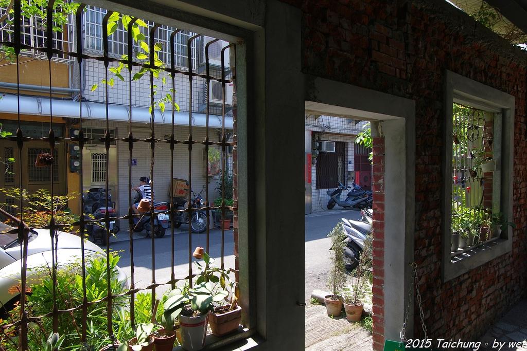 台中。漫步范特喜中興一巷 - 綠光計劃打造老房新生命:IMGP8338.JPG