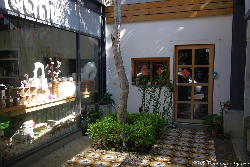 台中。漫步范特喜中興一巷 - 綠光計劃打造老房新生命:IMGP8272.JPG