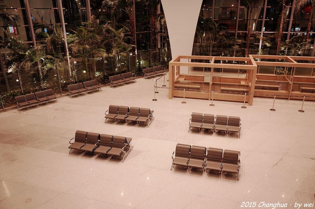 夜幕。高鐵彰化站:R0022061.JPG