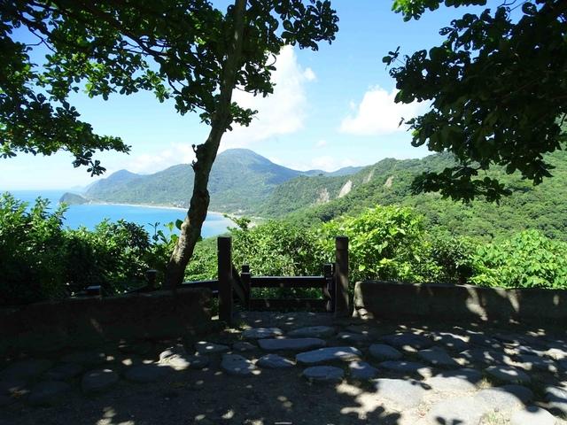 DSC04422C.jpg - 1060630 花蓮豐濱芭崎眺望台,大石鼻山步道
