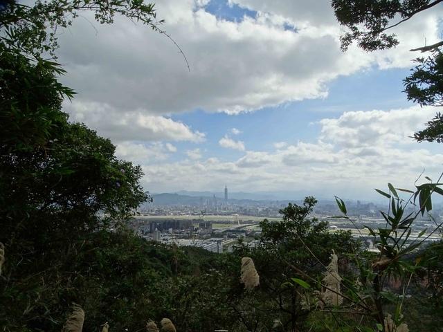 DSC00129C.jpg - 1070103 台北劍潭山步道