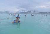 201702荷比冰之旅:藍湖溫泉一邊泡溫泉一邊觀賞白雪.JPG