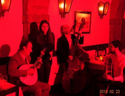 里斯本阿爾法碼區的法朵餐廳吟唱命運之歌fado.JPG - 201802葡萄牙藍瓷10天