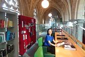 201702荷比冰之旅:馬斯垂克教堂飯店Kruisherenhotel  圖書室讓氣質加分.JPG