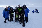 201702荷比冰之旅:冰島金環雪上摩托車體驗與教練合照.JPG