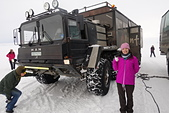 201702荷比冰之旅:冰島金環雪上摩托車體驗專屬雪地遊覽車在雪地奔馳.JPG