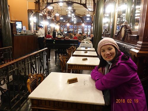 波多Majestic Café優雅的白色大理石桌.JPG - 201802葡萄牙藍瓷10天