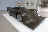 201702荷比冰之旅:庫勒慕勒美術館現代跑車模型.JPG