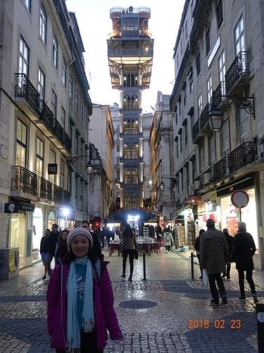 里斯本聖胡斯塔升降機鋼鐵升降機高45米新哥德式裝飾.JPG - 201802葡萄牙藍瓷10天
