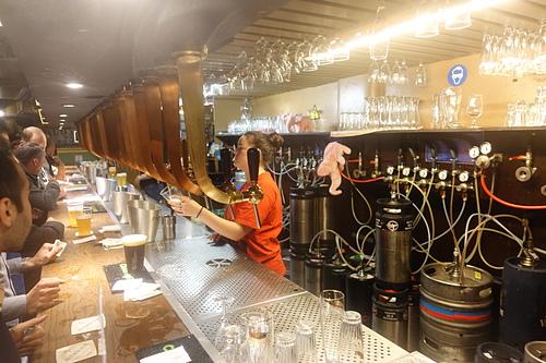 布魯塞爾Delirium tremens pub種類繁多的各種風味啤酒.JPG - 201702荷比冰之旅